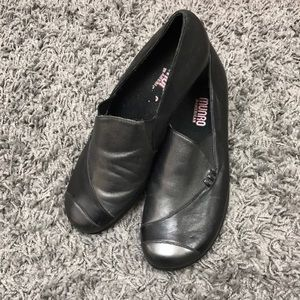 Munro black and grey loafers size 8
